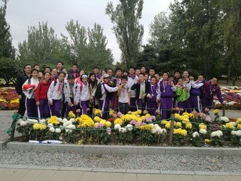 Students on exchange to High School Attached to Tsinghua University - Photo - 2
